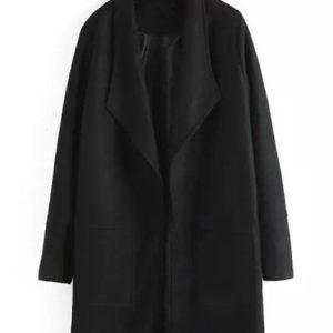 Abrigo negro de plumero largo