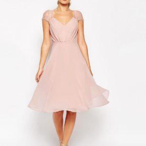 Comprar Vestido de encaje a media pierna Kate de ASOS