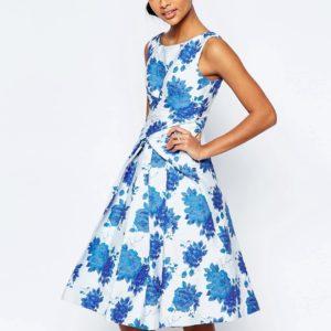 Comprar Vestido de graduación a media pierna de jacquard rosa azul de ASOS