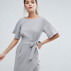 Comprar Vestido con lazo anudado en la parte delantera y manga kimono de Closet London