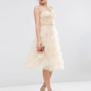 Comprar Vestido de graduación de organza a media pierna con flores en 3D de ASOS SALON