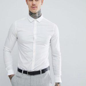 Comprar Camisa entallada de manga larga en color blanco de ASOS DESIGN
