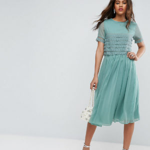 Comprar Vestido de graduación a media pierna con top corto con capa de encaje de ASOS TALL SALON