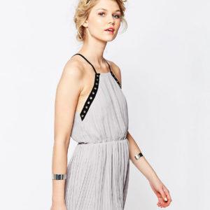 Comprar Vestido camisola de chifón con ribete de ojales de True Decadence Petite