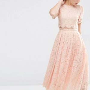 Comprar Vestido de graduación a media pierna con top corto de encaje de ASOS