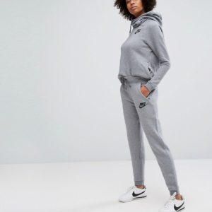 Comprar Joggers de corte estándar en gris Rally de Nike