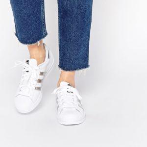 Comprar Zapatillas de deporte en blanco y plateado Superstar de adidas Originals