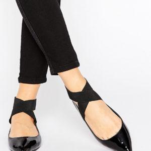 Comprar Bailarinas elásticas con corte ancho LYLE de ASOS