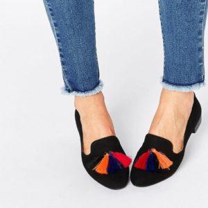 Comprar Zapatos slipper en negro con flecos de Glamorous