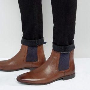 Comprar Botas Chelsea de cuero marrón de ASOS