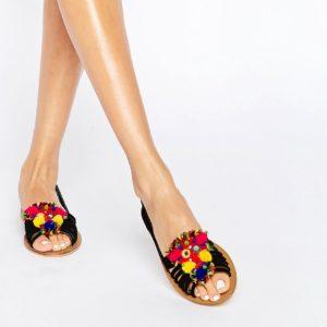Comprar Zapatos veraniegos de ante con adornos de pompones JEANA de ASOS