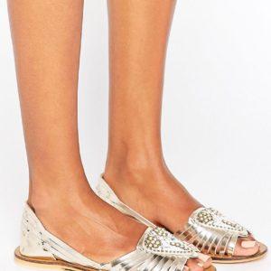 Comprar Zapatos veraniegos de cuero con adornos JIA de ASOS
