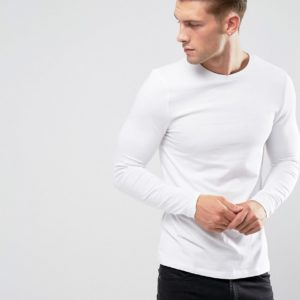 Comprar Camiseta ajustada de manga larga con cuello redondo en blanco de ASOS DESIGN