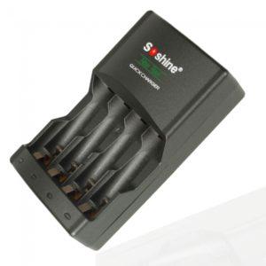 De SoShine SC-U1 cargador de bater¨ªa para AA AAA Ni-MH Negro